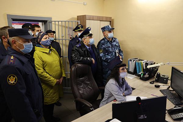 Распространенная в сети Интернет информация о ситуации в ЕПКТ ИК-31 не могла остаться без внимания компетентных органов, к тому же требовало опровержения утверждение о том, что в ИК-31 не пускают адвокатов и правозащитников.